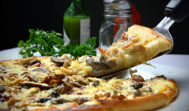 pizza-329523_640